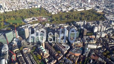 Victoria, Buckingham Palace Et St James's Park, Londres, Filmé En Hélicoptère