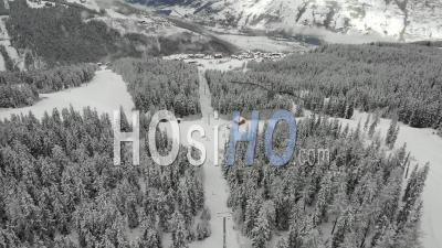 Remontée Mécanique Déserte Pendant La Pandémie De Covid 19 - Vidéo Par Drone