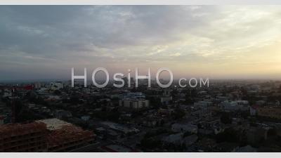 Vue Aérienne De La Cityscape - Vidéo Par Drone