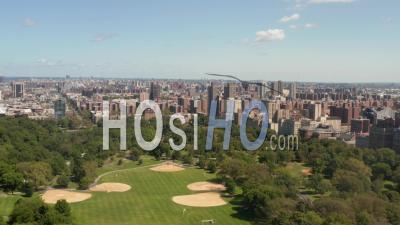 Beautiful Central Park View At Sunny Summer Day 4k - Video Drone Footage
