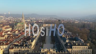 Mist Over Place De La Carriere - Vieille Ville De Nancy - Vidéo Par Drone