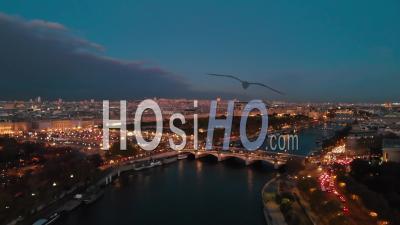 Vue Aérienne Par Drone Au Coucher Du Soleil Du Pont De La Rivière Seine Paris City Lights Pendant L'automne