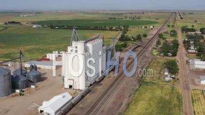 Farmers Grain Elevator Cooperative - Vidéo Par Drone