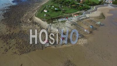 Les Cabanes De Pêche à Angoulin-Sur-Mer - Vidéo Drone