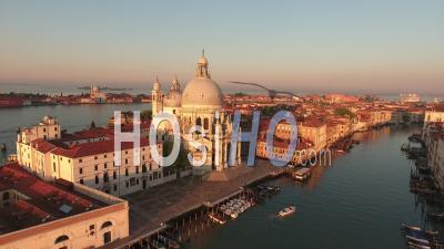 Basilique Santa Maria Della Salute à Venise, Vidéo Drone