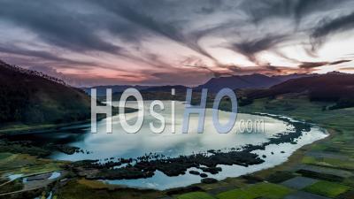 Lac Huaypo, Près De La Vallée Sacrée, Région De Cusco Vu Par Drone