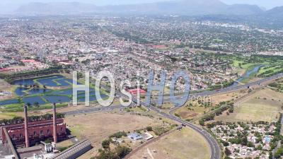 Cape Town Et Athlone Filmés En Hélicoptère